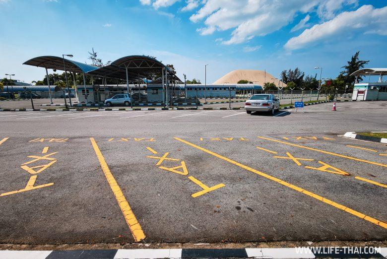 Парковка такси в Брунее