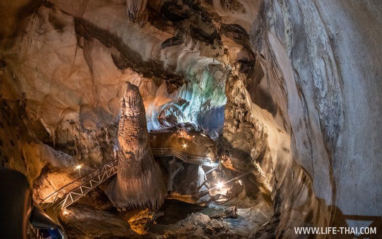 Что посмотреть в Пераке - пещера Гуа Темпурунг