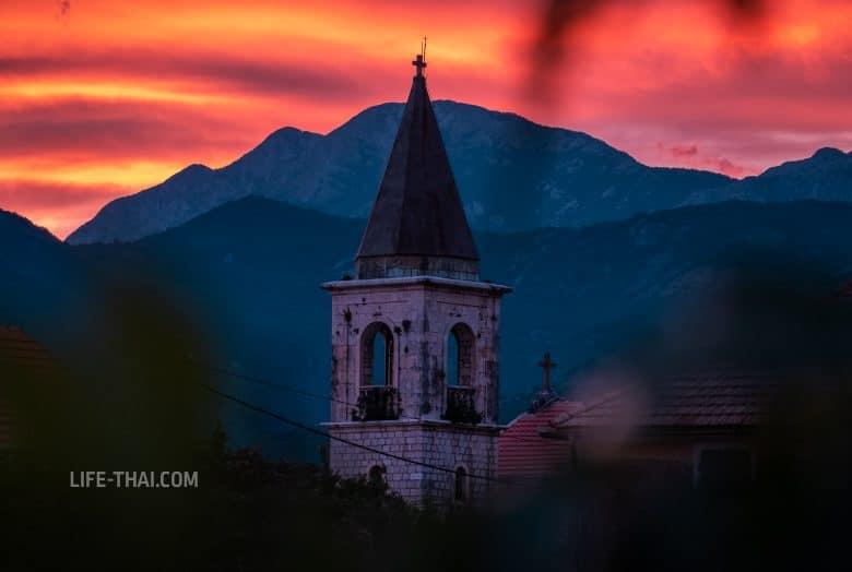 Донья Ластва в Черногории на закате