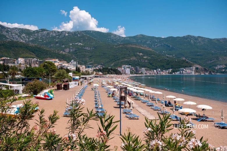 Так выглядит пляж Бечичи в Черногории