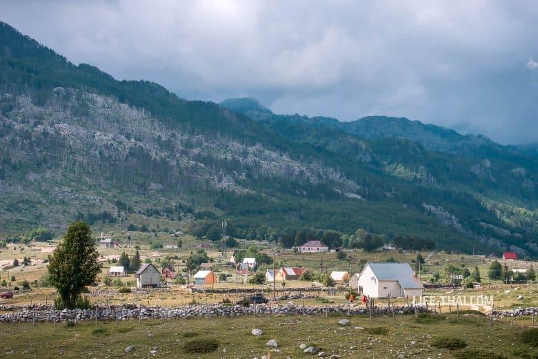Поселок Korita в Черногории