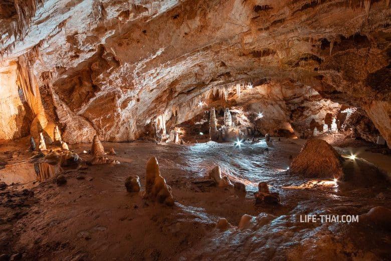 Экскурсия в Липскую пещеру в Черногории