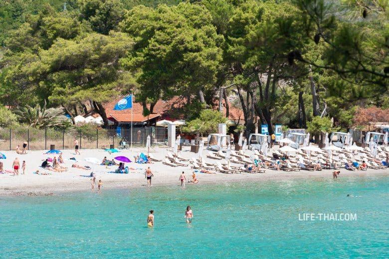 Пляжи с голубым флагом в Тивате и рядом