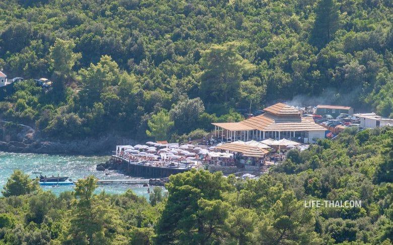 Пляж Облатно на Луштице - Almara beach club