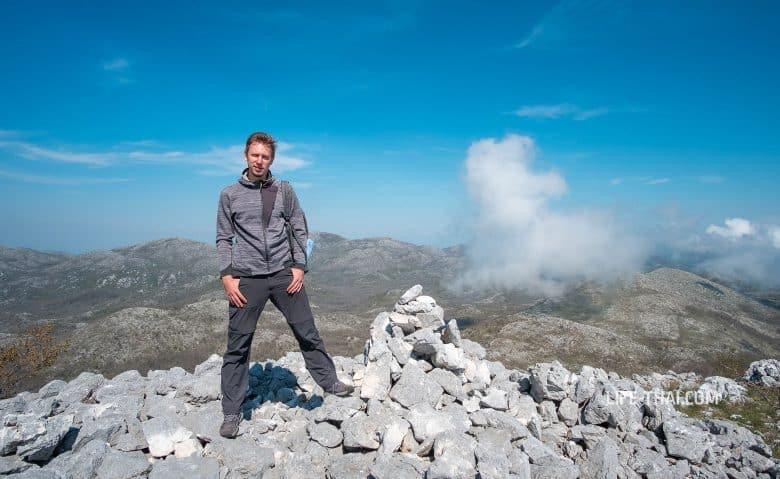 Вершина Вели Космач (Velij Kosmac) в Черногории