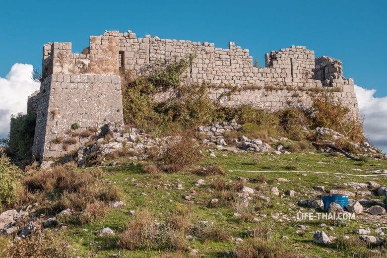 Форт Св. Андрия (Fort Sv. Andrija) на горе Враново Брдо, Черногория